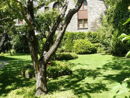 Casa Areny Plandolit Gardens